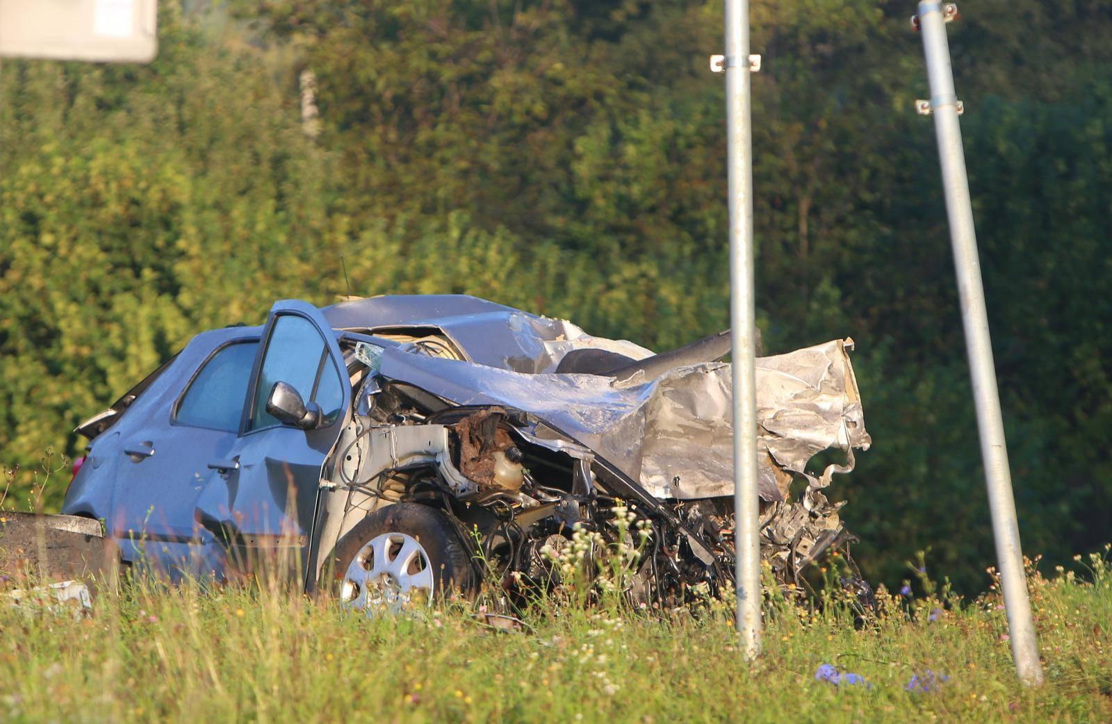 Netretić: U sudaru teretnog i osobnog automobila poginula vozačica