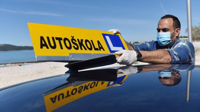 Cijene autoškola negdje pale i 1000 kuna. Neki upozoravaju: Pazite se prejeftinijh ponuda!