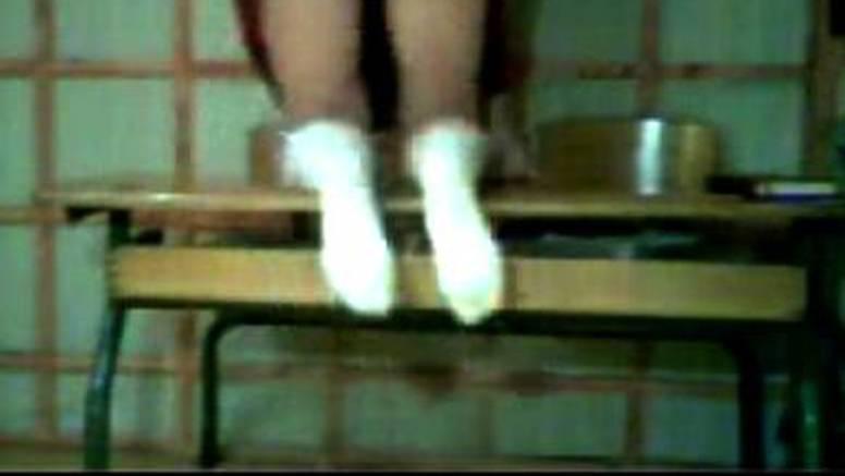 Studentica se snimila kako maše guzom u bivšoj školi