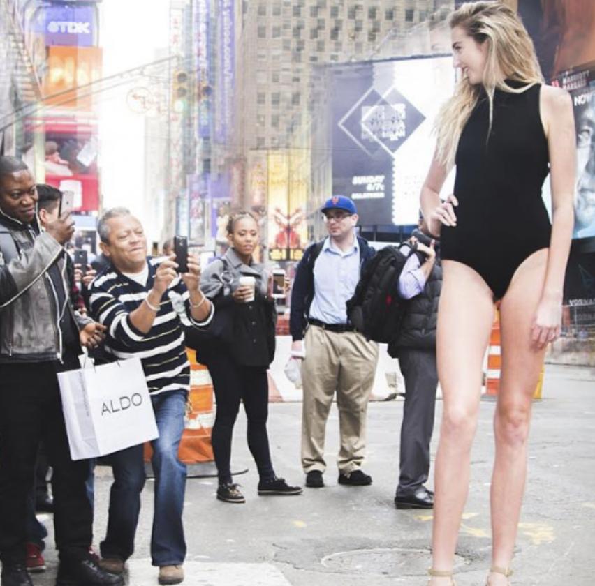 Holly (22) ima najduže noge u SAD-u: Duge su čak 125 cm