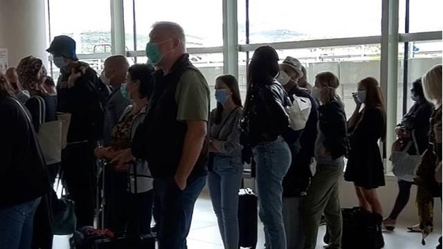 'Imam tumor i došla sam na odmor u Hrvatsku. Ni u busu ni u avionu nema distance i maski'