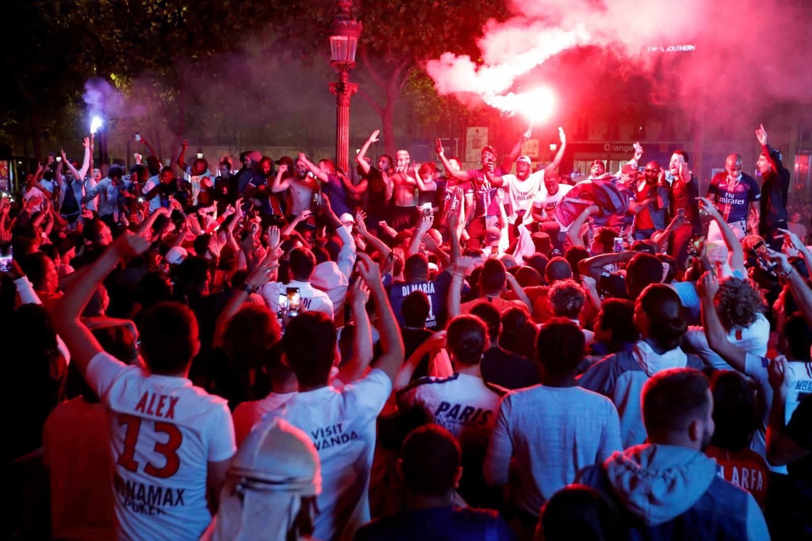 Champions League - Semi Final - Paris St Germain fans celebrate after their Champions League Semi Final match against RB Leipzig