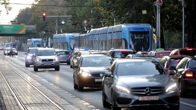Stižu Kinezi! Zatvorit će ceste, ne smije se izaći ni iz tramvaja