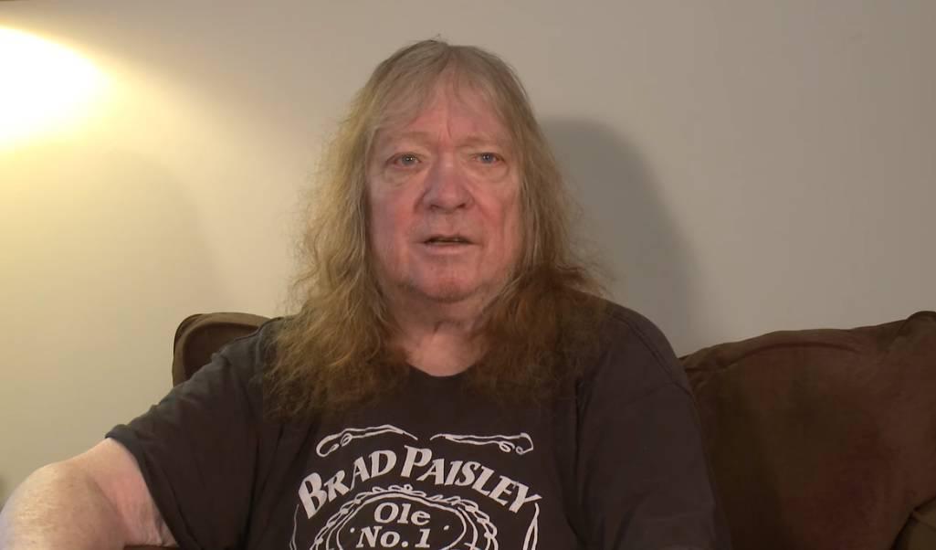 Preminuo je basist i jedan od osnivača rock skupine Sweet