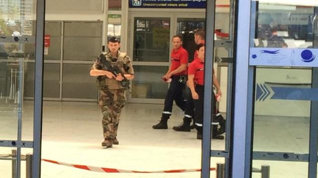 Našli sumnjivu prtljagu: Hitno evakuirali zračnu luku u Nici