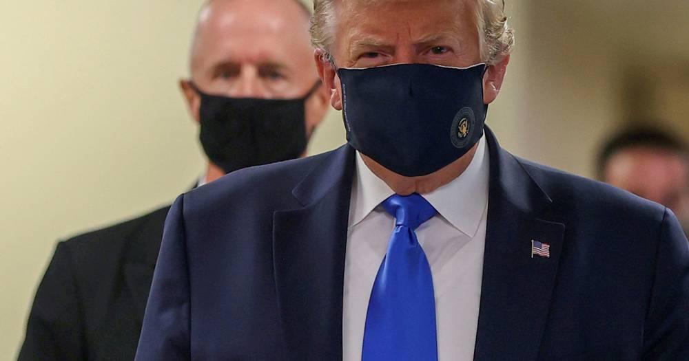 Trump prvi put stavio masku, prije su mu izgledale smiješno