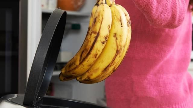 Može se spasiti: Očistite voće koje se kvari pa ga - skuhajte