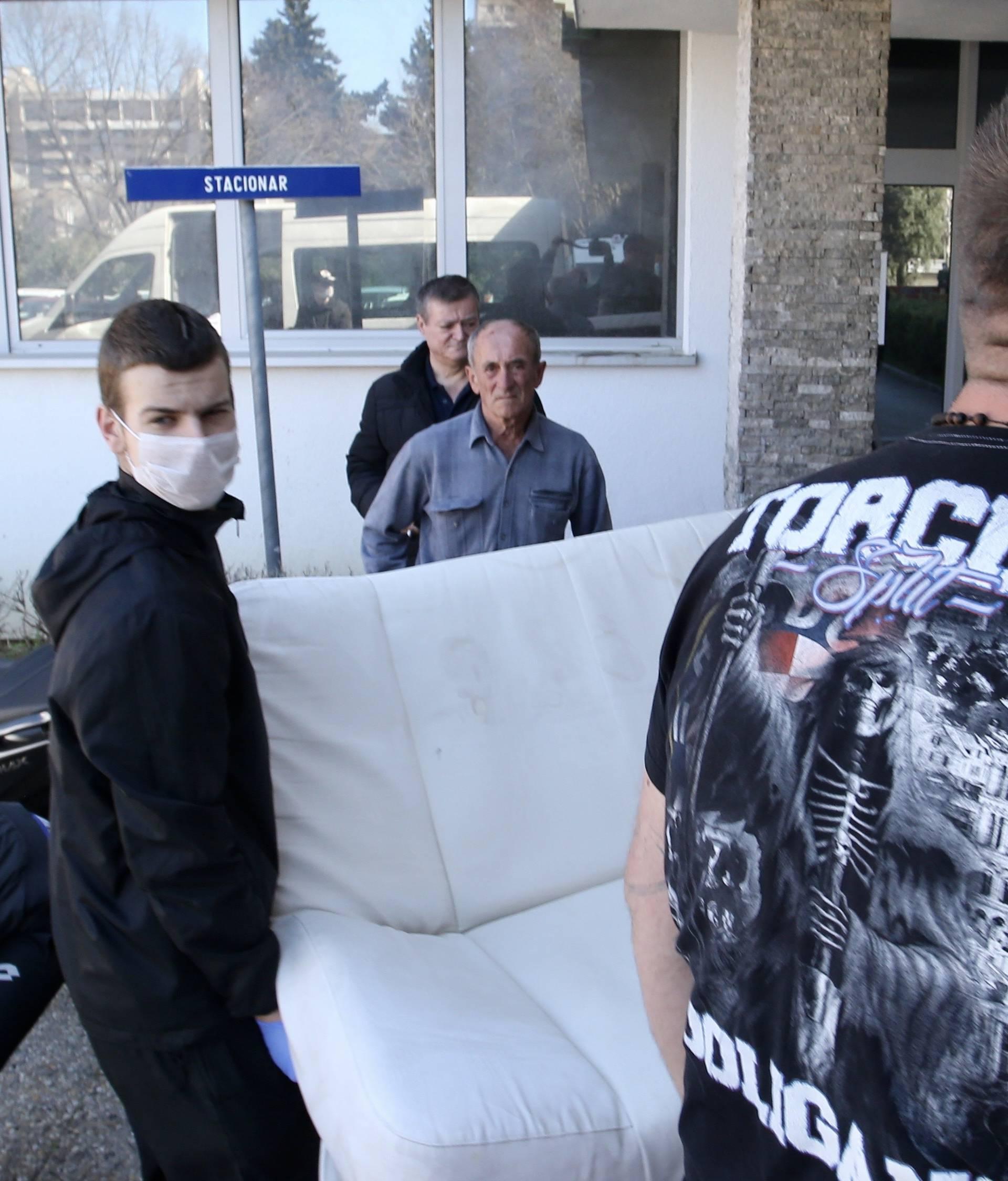 Split: Torcida stigla, pomaže pri selidbi bolnice Križine na Firule