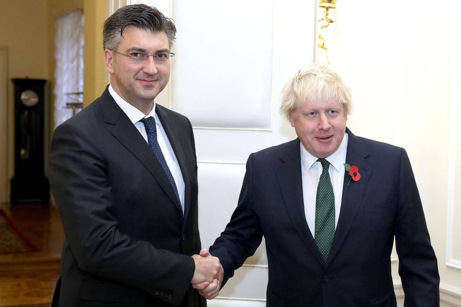 Borise, želite izaći iz EU? Gdje su pečat, biljezi, gruntovnica?