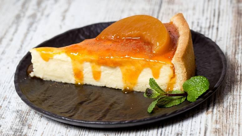 Cheesecake od jogurta, meda i marelica - fino za prste polizati