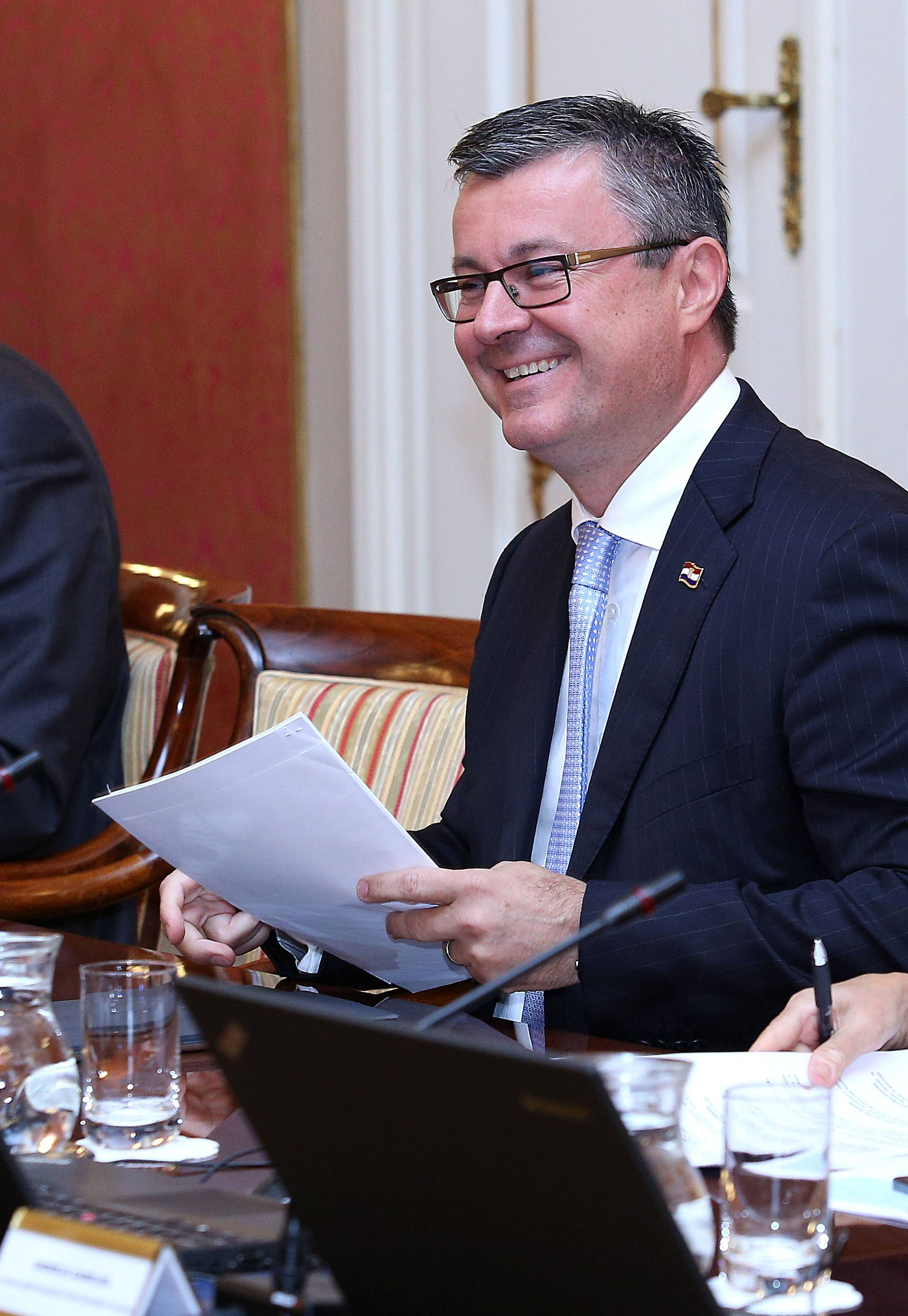 Vladino Povjerenstvo pratit će da li Srbija ispunjava obveze