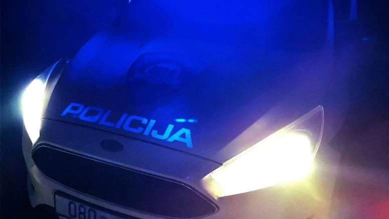 U Puli napadao ljude škarama, odredili mu istražni zatvor