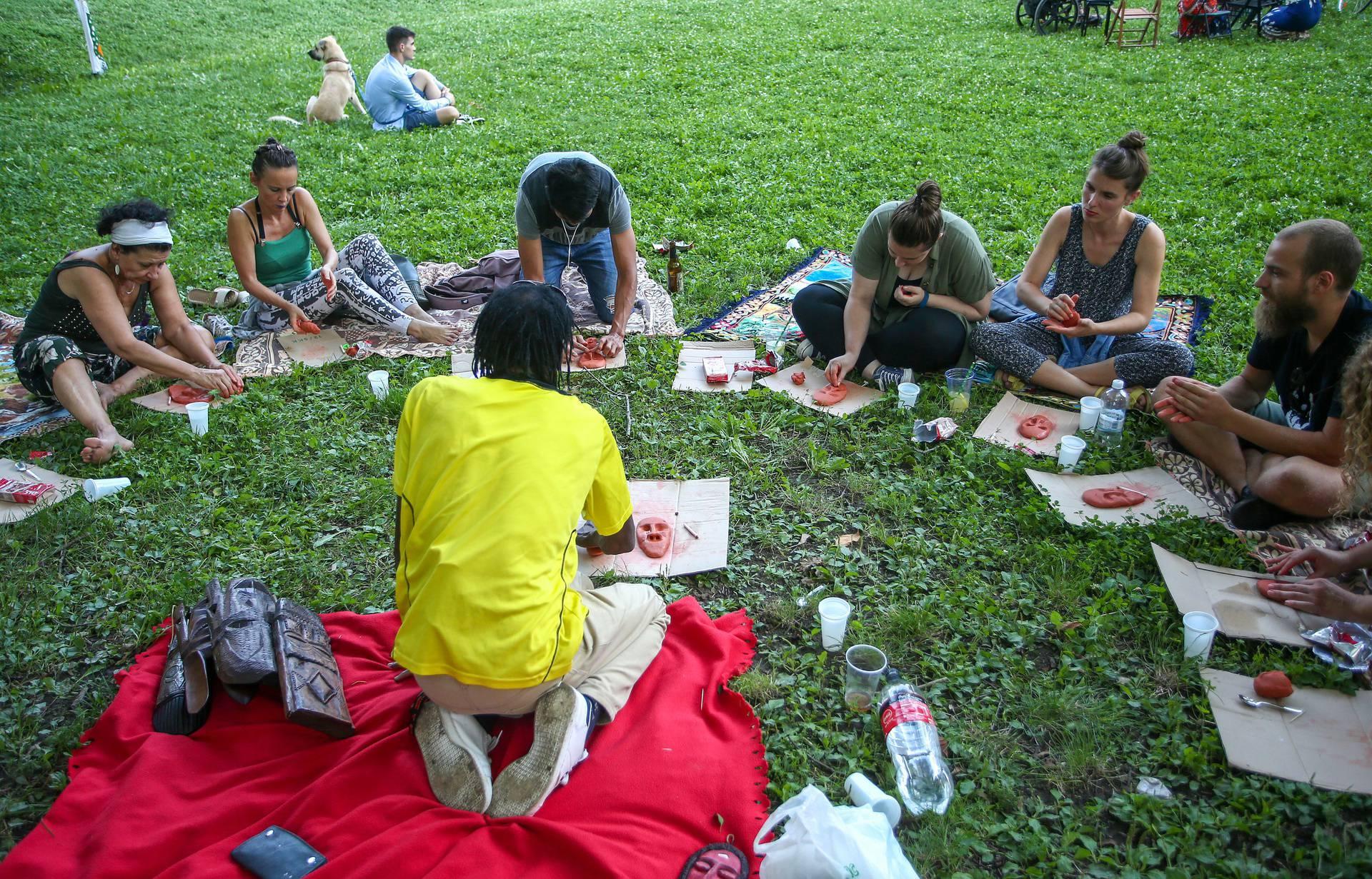 U parku Ribnjak održana radionica izrada Afričkih maski uz zvukove bubnjeva