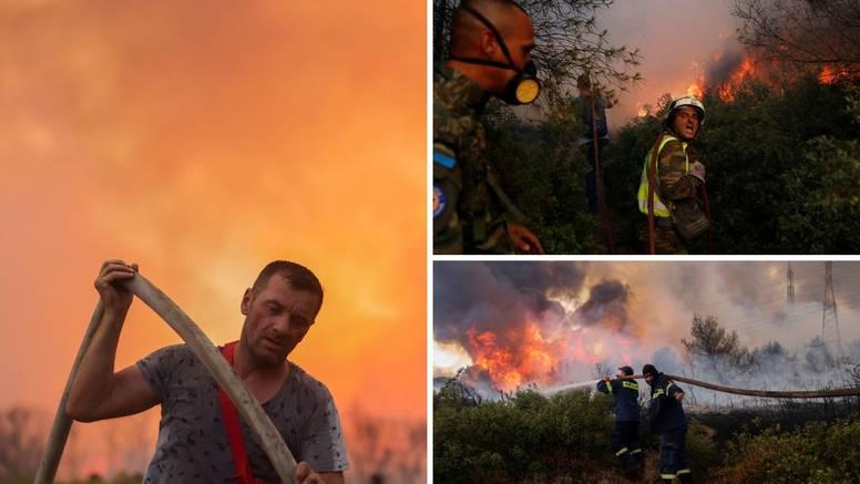 Požari u Grčkoj, ljudi napuštaju domove: 'Bježimo iz pakla!'