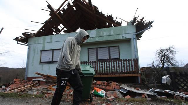 Dan nakon potresa u Petrinji i okolnim selima
