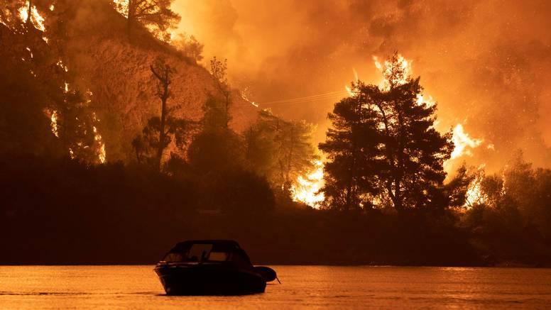 Grčki premijer ispričao se zbog propusta u borbi protiv požara i odobrio 500 mil. eura pomoći