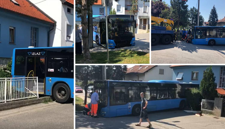 Video: Vozač izašao, a njegov bus s putnicima probio ogradu!