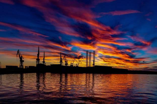 Romantičan zalazak sunca u Puli