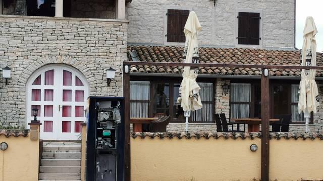 Burna noć u Istri: Razbojnici su 'digli' u zrak dva bankomata
