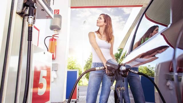 Pojeftinjuju cijene goriva: Tank benzina pada 8 kn, dizel 13 kn