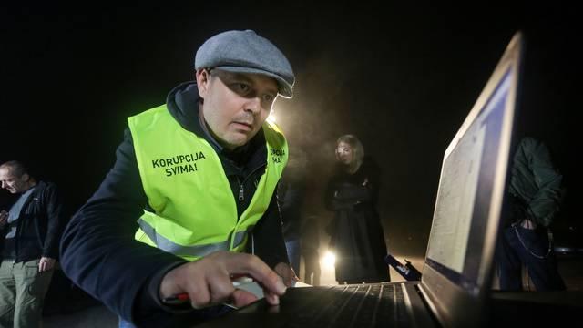 Predsjednički kandidat Darko Juričan u ponoč krenuo sa sakupljanjem potpisa
