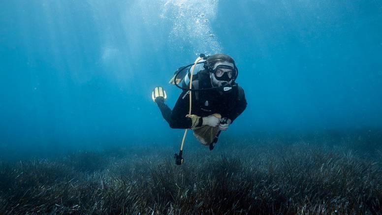 Ćorić čistio  podmorje u Bolu na Braču: 'Nevjerojatno je koliko otpada ljudi bacaju u more'