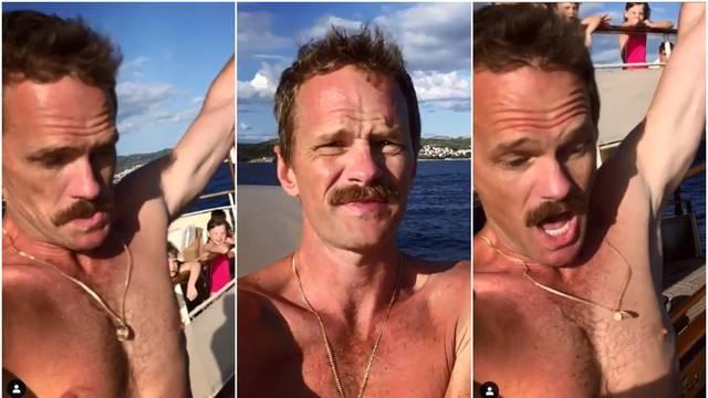 Nije se pazio: Barney 'izgorio' na jahti kojom plovi Jadranom