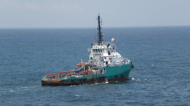 Voda ušla u brod na kojem ima i Hrvata? Spašavanje u tijeku