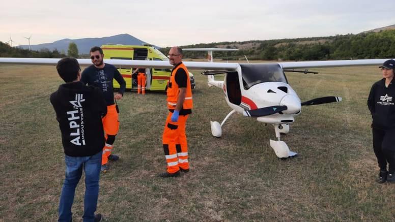 Privatni avion prisilno sletio kod Knina - ostali su bez goriva?