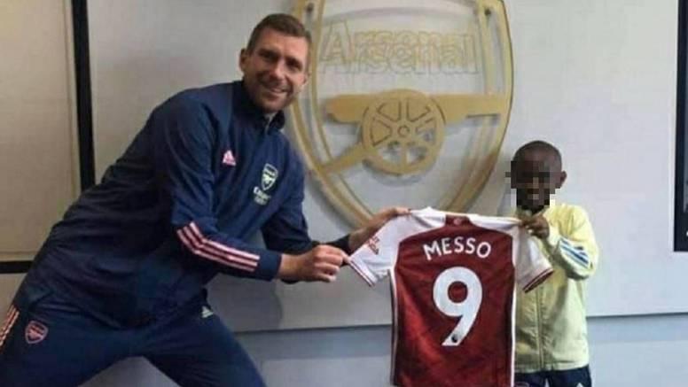 Čudo od djeteta: Kenijac stigao u Arsenal, zove se Leo Messo