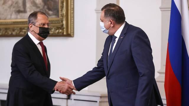 Ukrajina urgira: Odakle Dodiku ikona koju je poklonio Lavrovu?