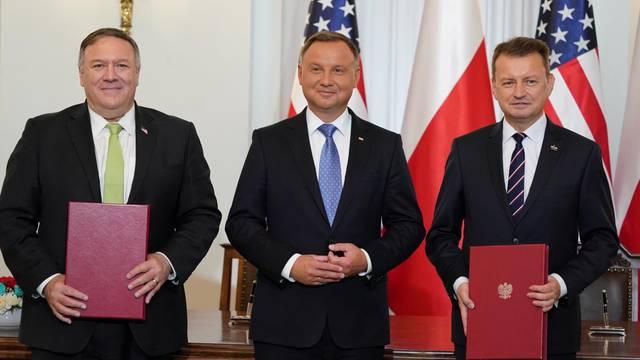 Pompeo visits Poland