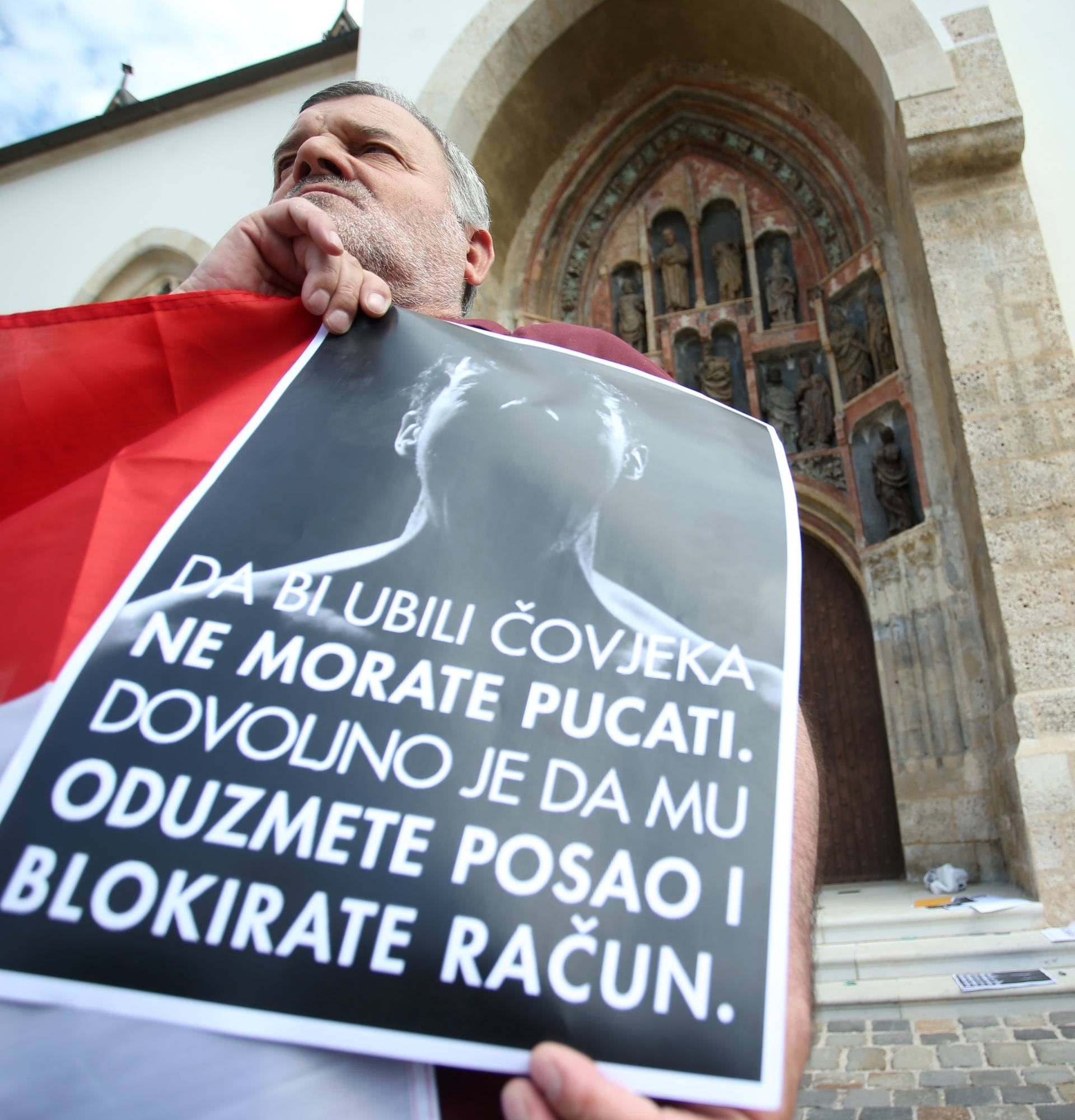 Prosvjed udruge Blokirani