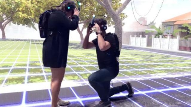 Zaprosio ju u igrici: Kleknuo je pred nju u virtualnoj stvarnosti