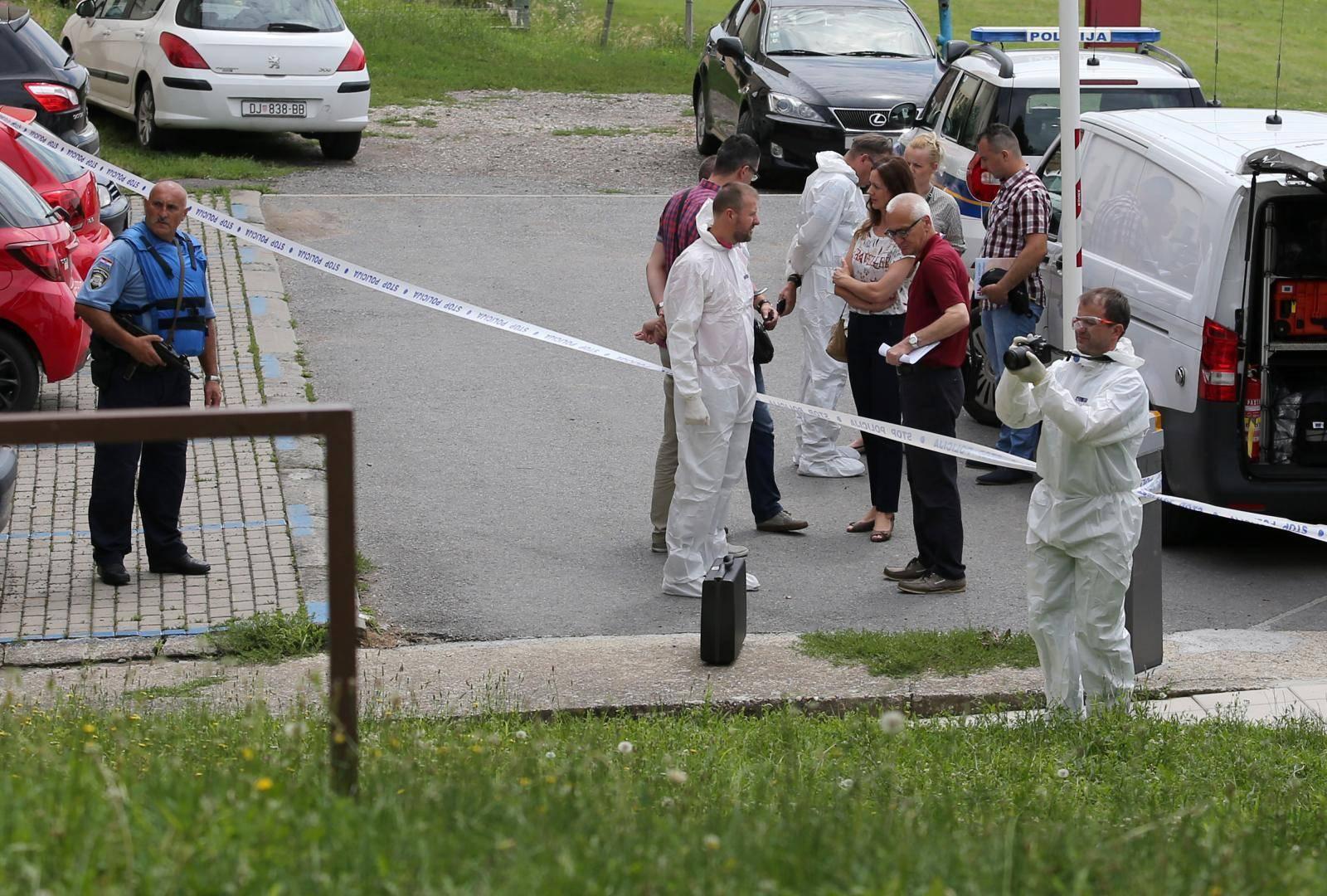 Ubojica iz Đakova i dalje bježi: Policija opkolila njegovu kuću