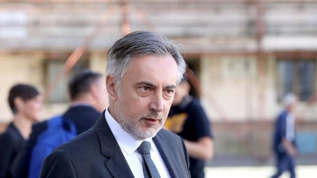 Zagreb: Zastupnici dolaze na sjednicu Sabora