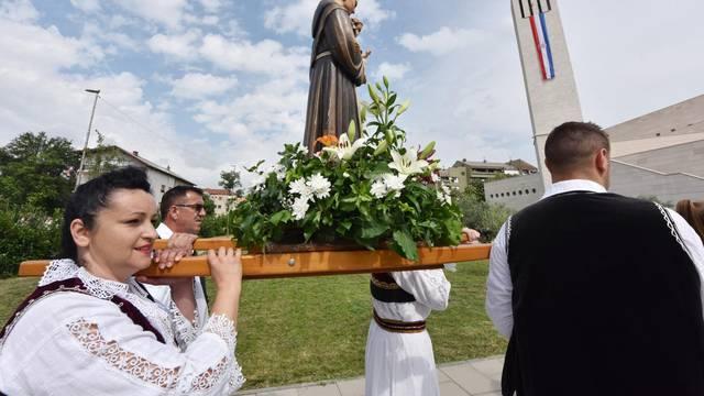 Ozdravljao i nakon smrti: Molili na grobu sv. Ante, pa ozdravili