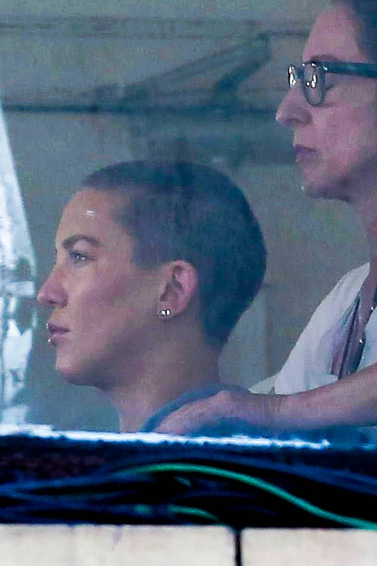 *PREMIUM-EXCLUSIVE* Kate Hudson shaves off her golden locks for the upcoming Sia project