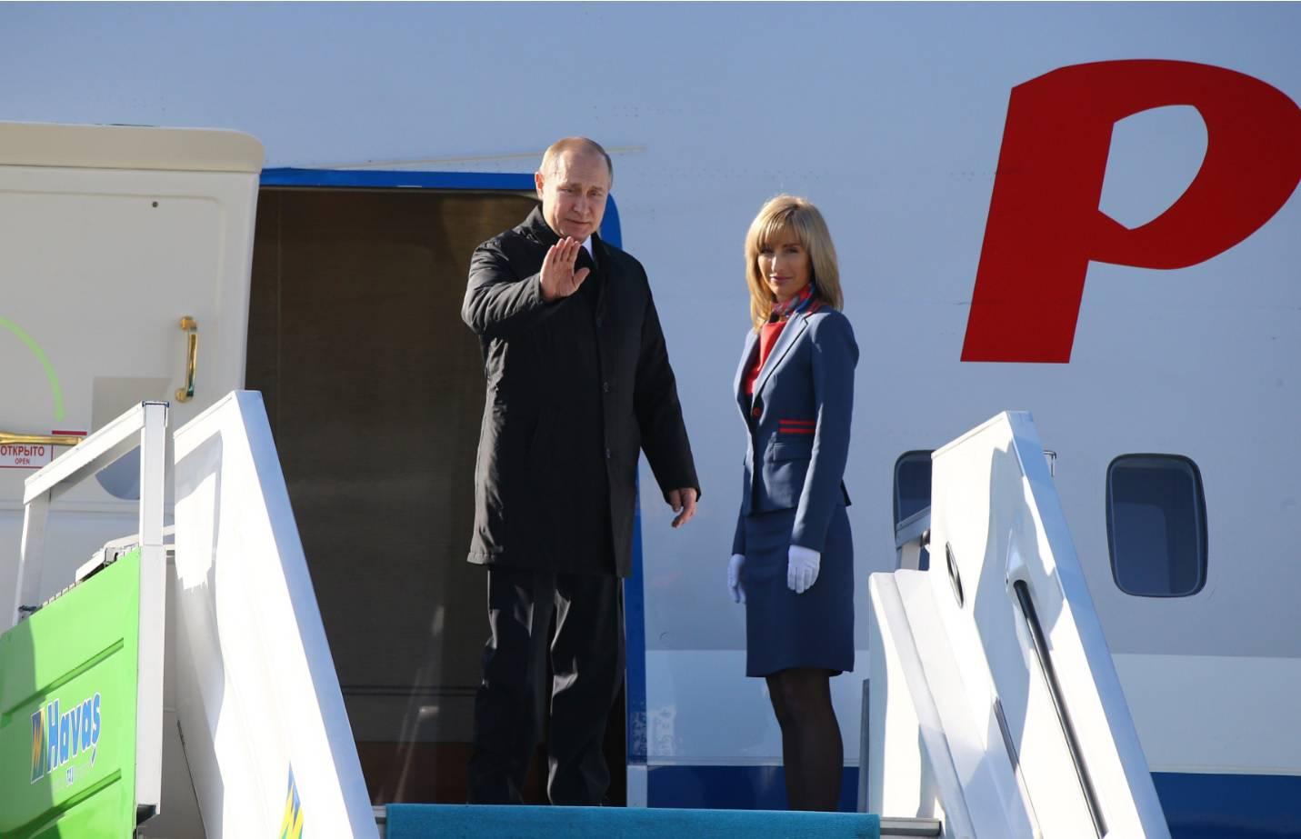 Putinova misteriozna plavuša: Uvijek ga prati na putovanjima