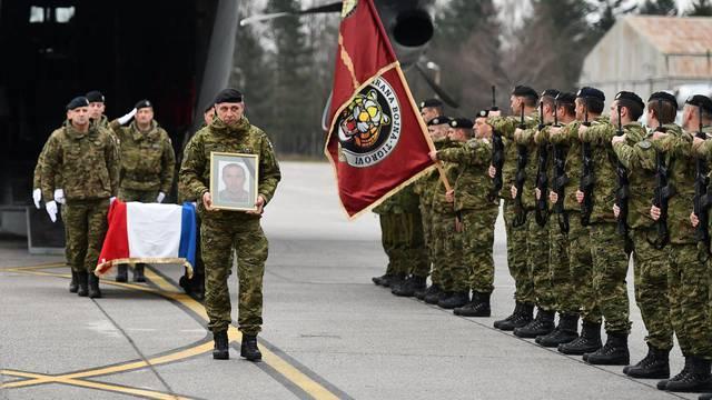 Tijelo preminulog vojnika iz Litve su prevezli u Hrvatsku