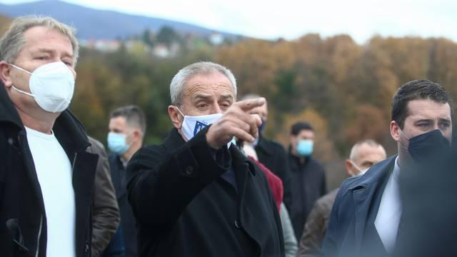 Zagreb: Milan Bandić obišao krematorij Gaj urni