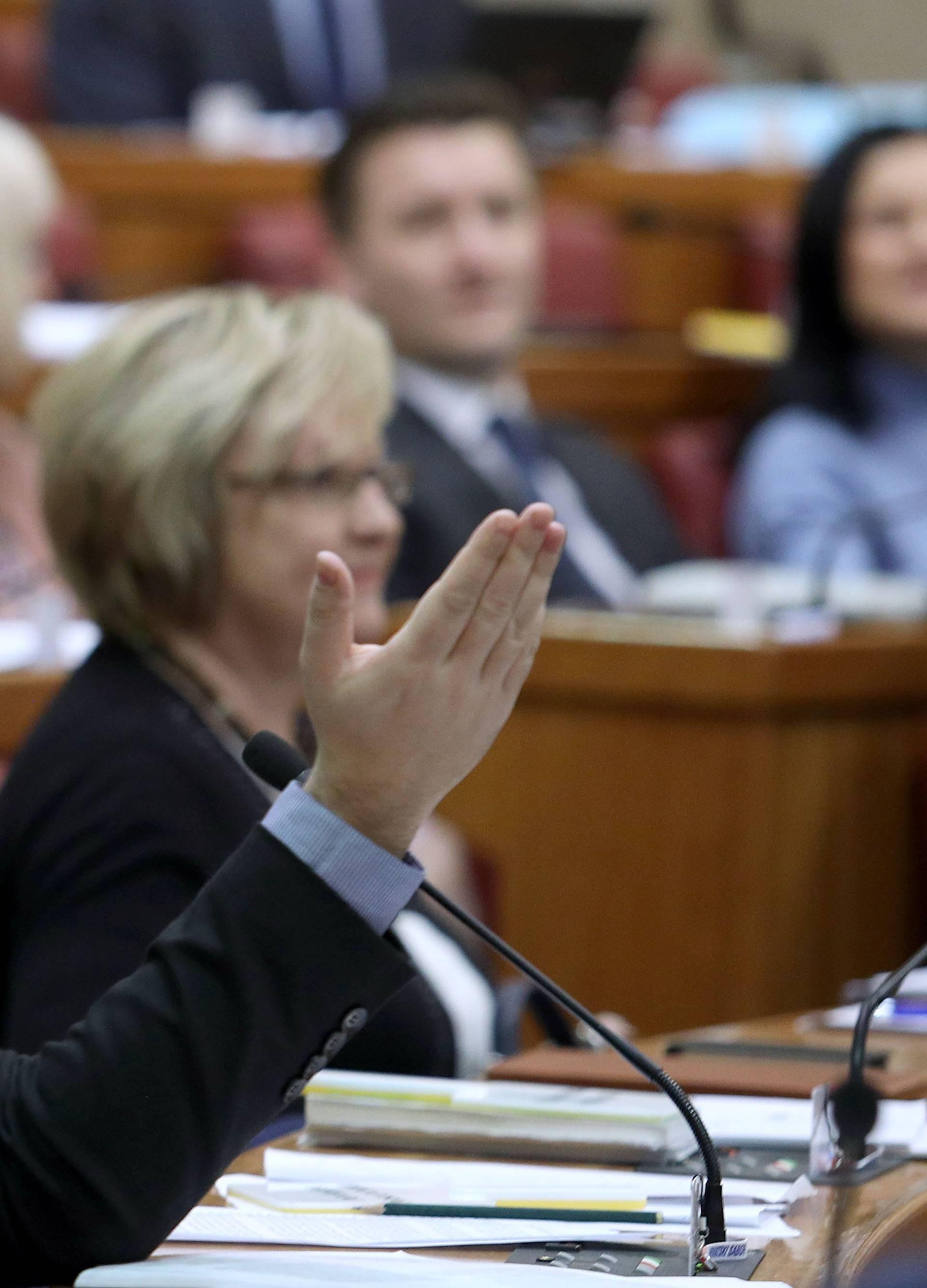 Mostovci se obrušili na Dalić: 'Ona vuče sve konce u Vladi!'