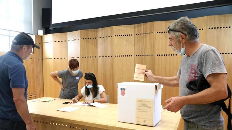 Dopunski manjinski izbori: Slab interes birača, najmanje njih glasovalo je u Gradu Zagrebu