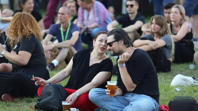Zagreb: Glumica Jelena Miholjević sa suprugom Darijom na INmusic festivalu