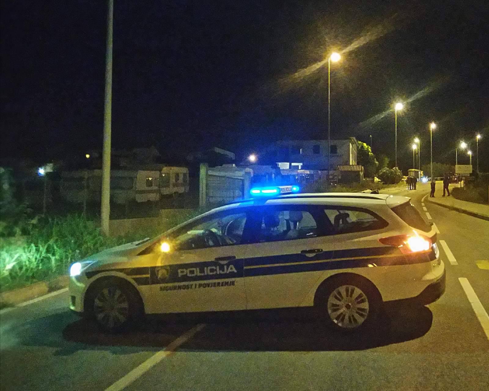 Pijani Švicarac bježao policiji u Poreču, pa još vrijeđao policajce