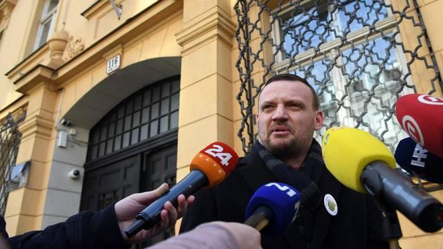 Nezavisni vijećnik iz Oroslavja, Viktor Šimunić, dolazi u USKOK dati izjavu