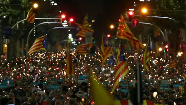 Catalan separatist organisations' leaders jailing protests in Barcelona