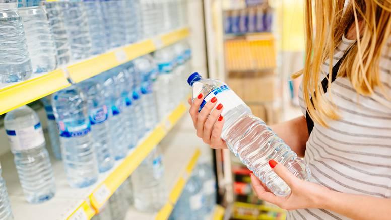 Stručnjaci tvrde: Bolje je piti vodu iz slavine nego iz bočice