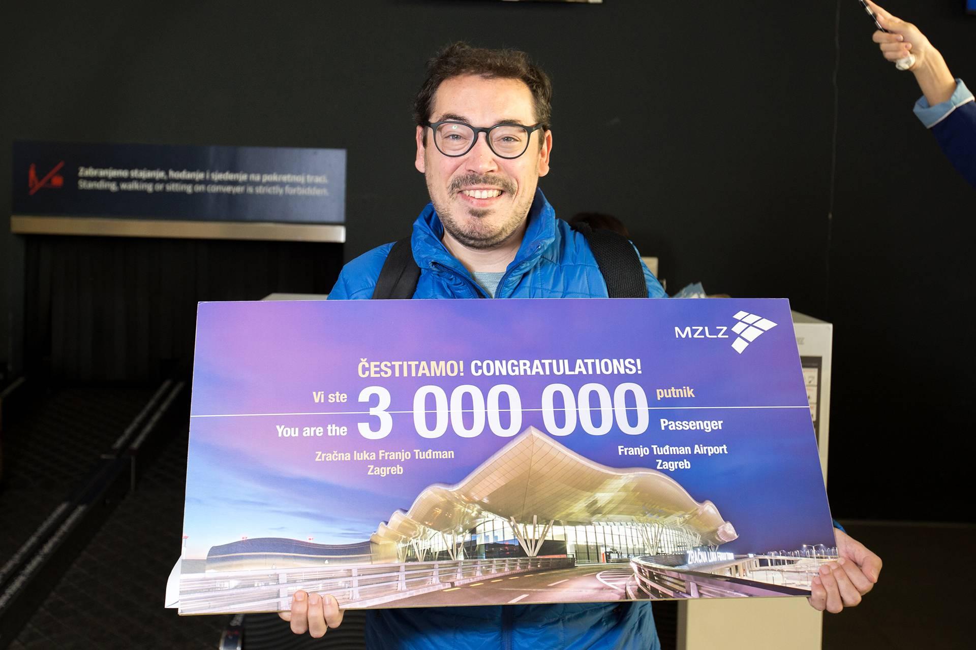 Zračna luka Franjo Tuđman: Čestitali trimilijuntom putniku