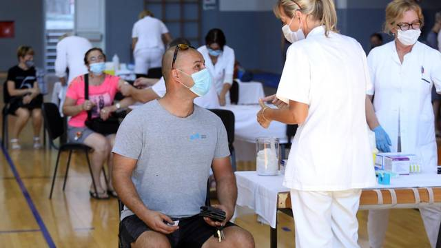 Zadovoljavajući odaziv stanovništva na cijepljenje protiv koronvirusa u Šibeniku